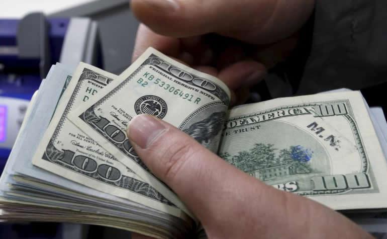 Dólar se cotiza por debajo de los $3000 en Colombia