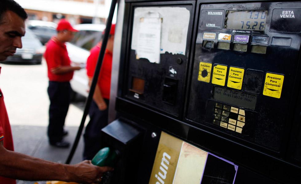 Garantizan combustible en departamentos limítrofes con Venezuela