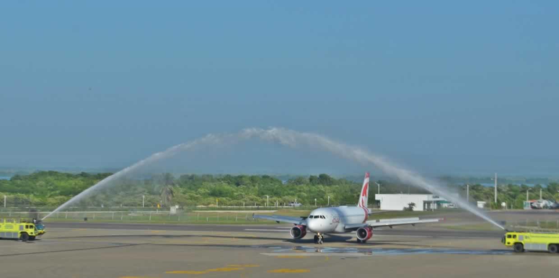 Air Canada inaugura vuelo sin escalas Toronto-Cartagena