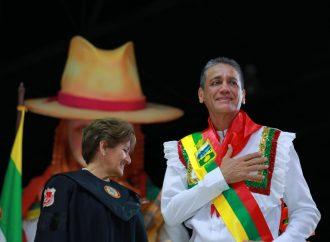 Gorky Muñoz se posesionó como Alcalde de Neiva