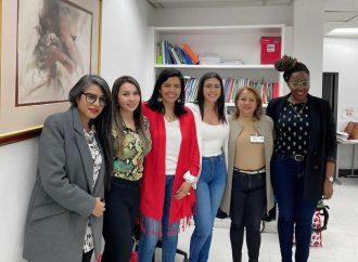 Ejecutivas de Neiva, gestionan recursos para mujeres productivas