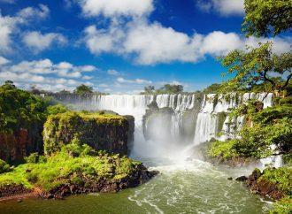 Las cataratas del Iguazú, una maravilla del mundo compartida por dos países