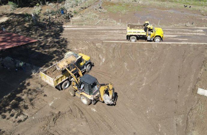Nueva maquinaria para el municipio de Suaza, afectado por el invierno