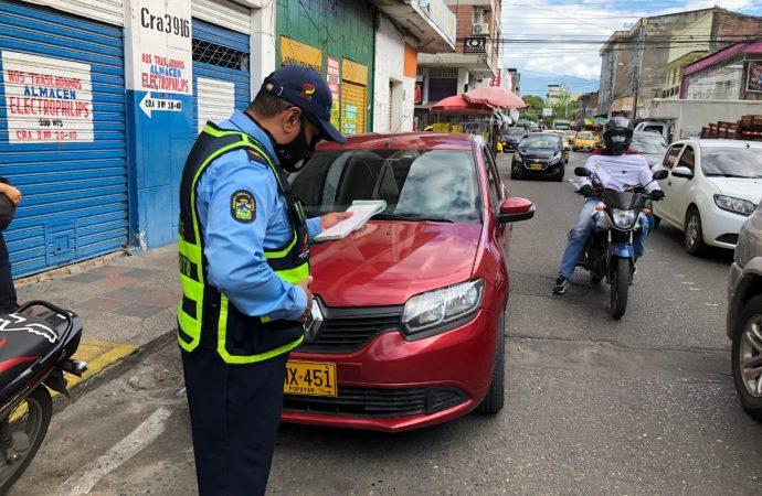 En Neiva prohíben parquear vehículos en vías del microcentro