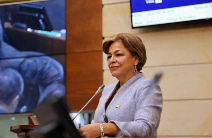 Esperanza Andrade asume vocería del Partido Conservador en Senado en 2021