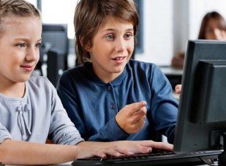 En pandemia: ¿Le preocupa el tiempo en pantalla de los niños?