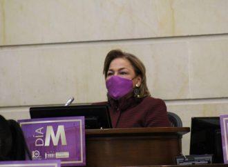 Esperanza Andrade presidió plenaria del Senado de la República