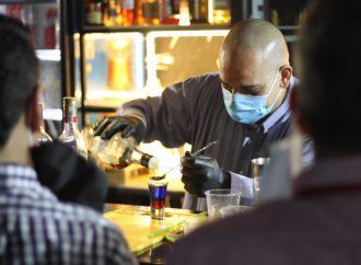 Sector de Bares y Restaurantes se capacita para ofrecer un mejor servicio a sus usuarios