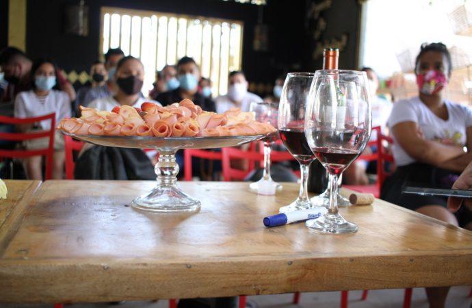 Bares, restaurantes y discotecas se forman en servicio a la mesa