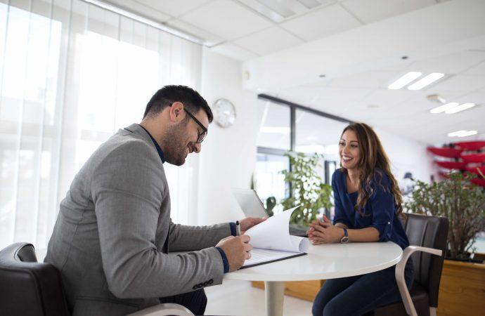 Conferencia virtual gratuita: Tips de comunicación no verbal para lograr una entrevista exitosa