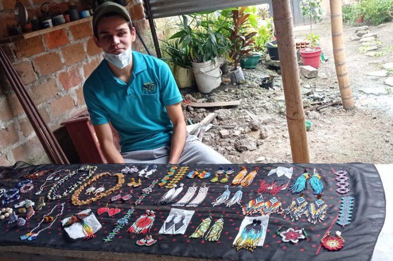 'En Accesorios Pakande, hacemos las cosas con Amor': Jorge Alejandro, artesano plateño