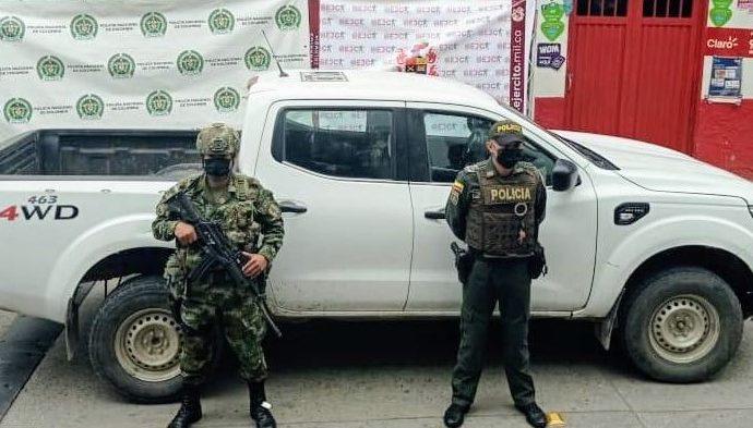 Autoridades recuperan vehículo que sería utilizado para atentado terrorista