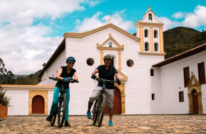 Curso de formación en biciturismo a operadores y guías turísticos del Huila